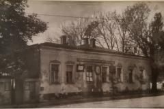 Zdanie-muzeya-Turgeneva-dom-Galahovyh-posle-osvobozhdeniya-Orla.-Foto-nachalo